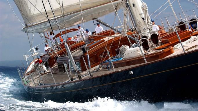 sailing-yacht